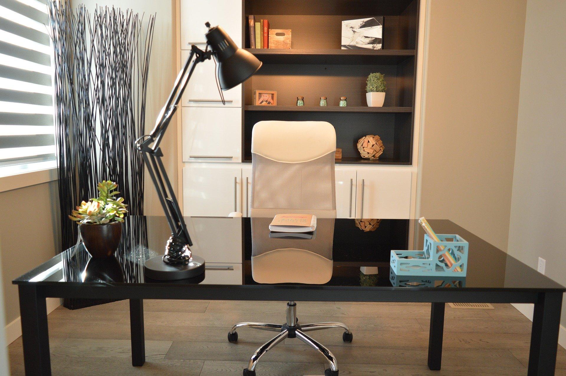 Crea tu propia oficina en casa